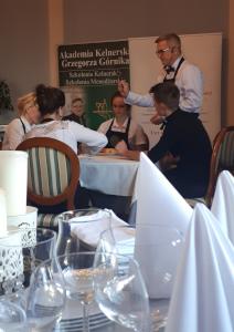 Kelner – Nakrywanie Stolika A'la Carte